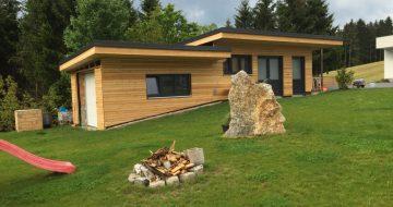 In Münzbach wurde ein Ziegelmauerwerk mit Holzfassade von unseren Zimmerern errichtet!