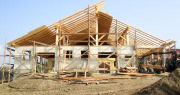 Rundholzstall Bad Kreuzen - Hentschläger Holzbau - Dachstühle
