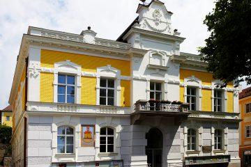 Kommunalbau - Stahlkonstruktion - Aktivpark - Gemeindebau - Massivbauweise - Glasfronten - Toplage - Wohn- und Geschäftshaus - Umbau - Ausstattung