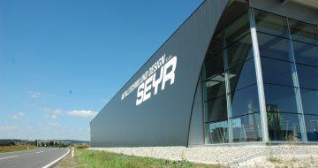 Die Produktionshalle in Schwertberg wurde für die Firma Seyr errichtet. Ein mordernes Hallendesign für eine moderne Metalltechnikfirma.