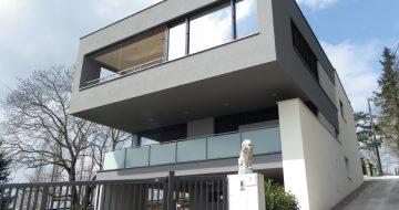 Bauträger in Linz - Wohnhaus - Pöstlingberg - Aufstockung - Wohnraumvergrößerung - Privatbau - moderne Architektur - Hentschläger Privatbau - Einfamilienhaus