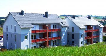Die Wohnanlage am Kögel umfasst 12 nach Süden ausgerichtete Wohneinheiten. Gut durchdachte Raumaufteilung in diesem Wohnbau mit großzügigen Loggien.