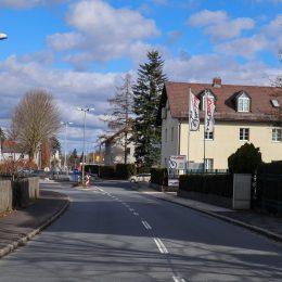 Straße zu Grundstück