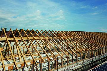 Dachstuhl - Dach - Wohnhaus - Hentschläger Holzbau - Hentschläger Zimmerei - Zimmerer - Isolieren - Zeichnung - Rohbau - Satteldach - Walmdach - Kosten - Fachwerk - Hausbau - Dachstühle - Zimmermann - bauen - Dach - Holzbau - Dach anheben - Zimmererfachbetrieb - Holzhaus - Krüppelwalm - Dachaufstockung - Zimmererbetrieb - Zimmerei Zimmerer - Konterlattung - Pfettendach - Zimmerei in der Region - Zimmerei in Perg - Dachkonstruktion - Eindeckung